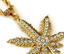 "Sbsone gold collection Necklace ""Weed"""